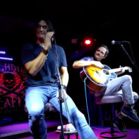 Joe Nichols Live & Unplugged: A Crowd Pleasing Acoustic Country Session